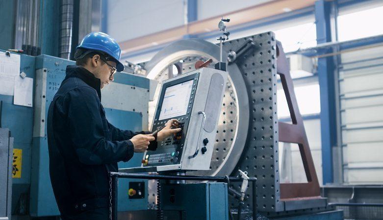 operator maszyn CNC